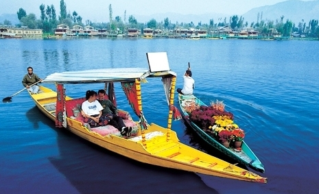 Dal Lake boating KeralaToursGlobal