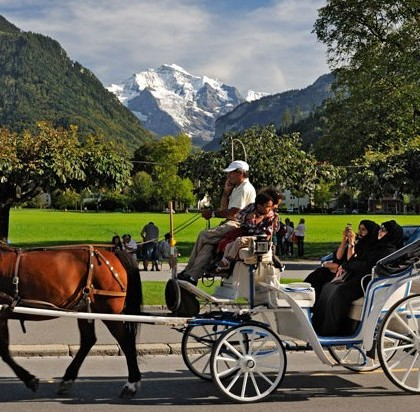 Interlaken Tourists KeralaToursGlobal1