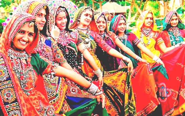 Rajasthani ladies dancing KeralaToursGlobal1