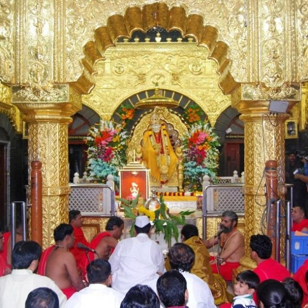 Shirdi Darsan KeralaToursGlobal1