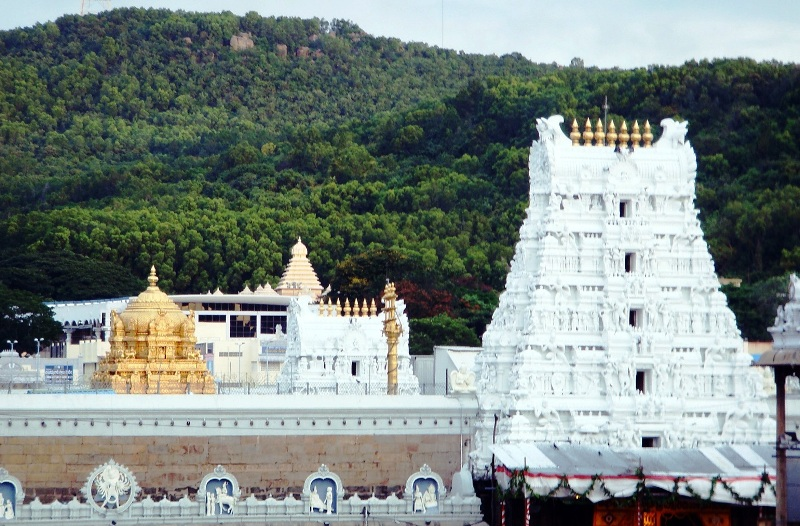 Tirupathi Balaji Temple1 KeralaToursGlobal1
